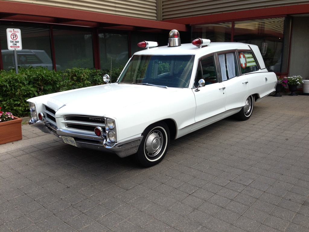 1966 Pontiac Bonneville Ambulance